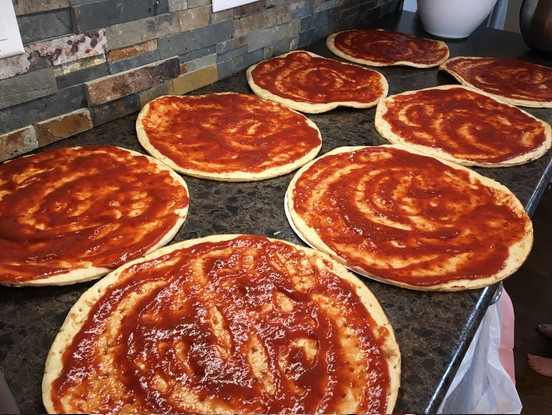 Pizza-Recipe-add-sauce.jpg