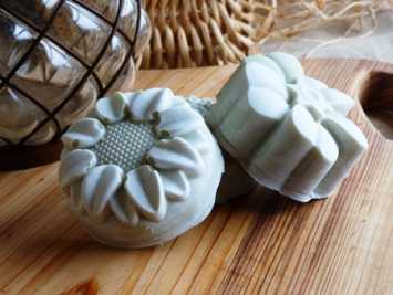 Fresh Lemon - Floral-Shape Soap
