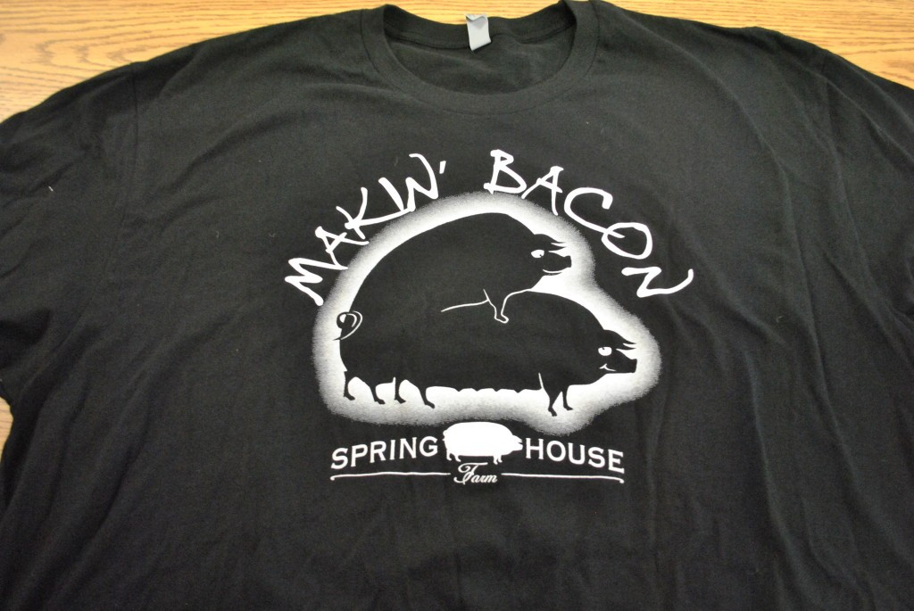 "Men's ""Makin' Bacon"" Crewneck T-Shirt (medium)"