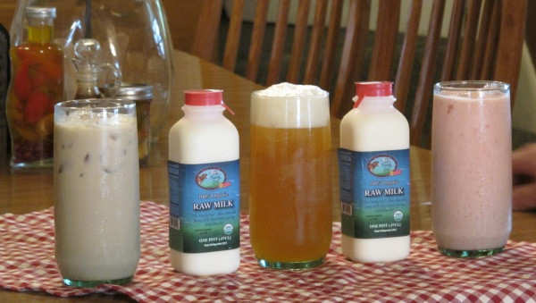 Raw Milk Iced Decaf Coffee - Raw Milk - Raw Kombucha - Raw Milk  - Strawberry Raw Kefir Smoothie  Makes your mouth water, right?