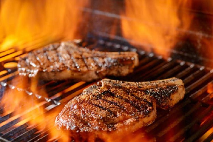 Angus Bone-In Ribeye Steaks (2/pkg)