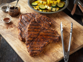 Angus T-Bone Steaks (2/pkg)