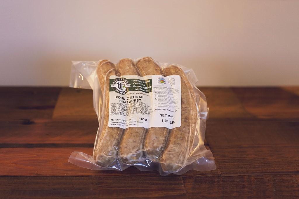 Cheddarwurst Brats