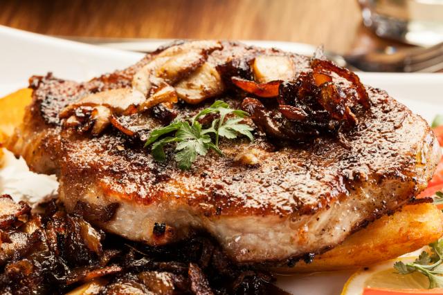 Mushroom & Spinach Pork Chops!