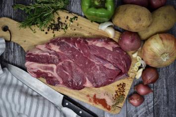 Beef Bone-In Chuck Roast