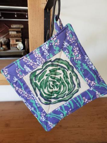 Pot Holder - Cabbage w/ Flowers on Purple Border