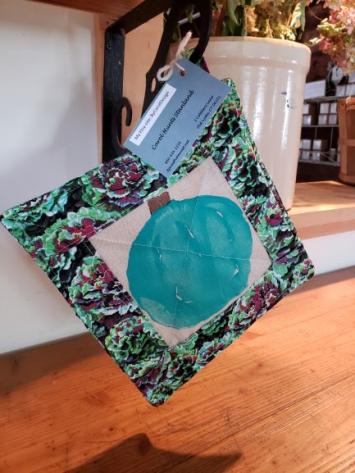 Pot Holder - Blue Squash w/ Cabbage Leave Border