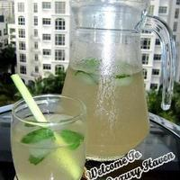 Aromatic Lemongrass Mint Tea