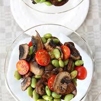 Mushroom & Edamame Salad with Smoked Paprika Dressing Recipe {A Giveaway}