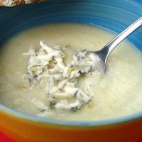 Cream of cauliflower soup with Roquefort