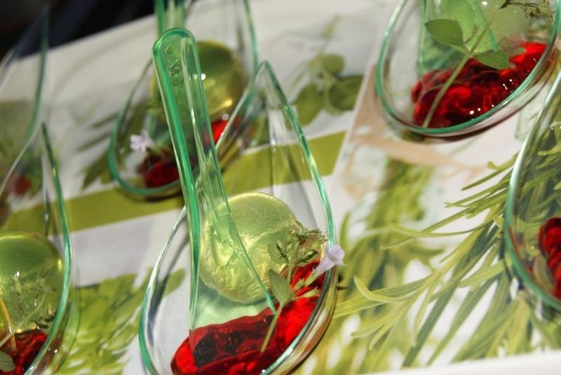 Ricetta finger molecolary sferificazione cocktail molecolare gastone cookeatshare - Cucina molecolare sferificazione ...