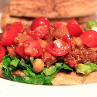 Curried Chickpea and Quinoa Flatbread