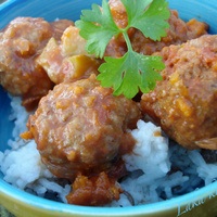 Turkish baharat meatballs with lentil pilaf