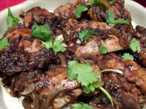Balsamic Chicken Thighs With Red Onion
