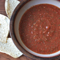 Finger Food Friday: Chips and Homemade Salsa
