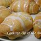 Recipe: Sugar Icing Glaze for Buns