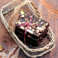 Recipe | No-Bake Nutty Chocolate Biscuit Cake – Easy as Can be