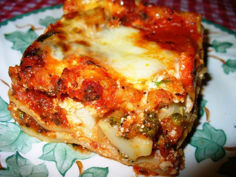 Vegetable lasagna recipe by lynne cookeatshare for Better homes and gardens lasagna