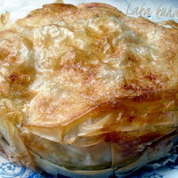 Phyllo pie with apples and pears