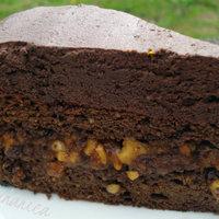 Caramel-peanut cake