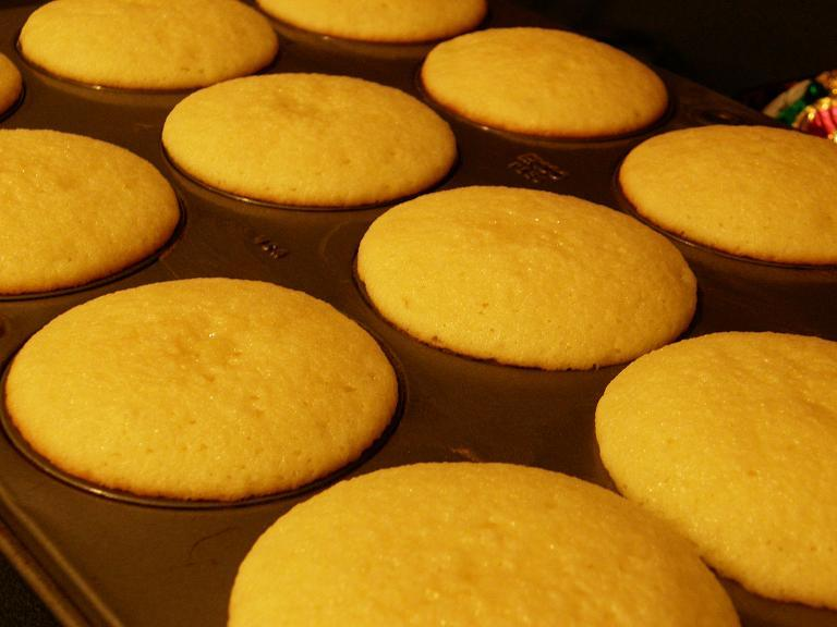 Moist Simple Cupcake Recipe By Andrea Cookeatshare