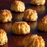 Dissing Dainty Macarons with Coconut Almond Macaroons
