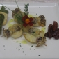 Seppie ripiene ai funghi gratinate al pecorino e pistacchi con asparagi