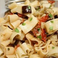 Sun-dried tomato and aubergine pasta - the food of love