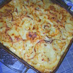 Cheddar scalloped POTATO gratin simile DAUPHINOIS