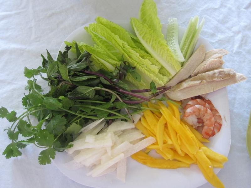 Shrimp, Chicken and Mango Summer Roll Recipe by Lauren - CookEatShare