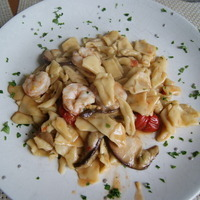 Maltagliati with Tomatoes, Porcini Mushrooms and Shrimp