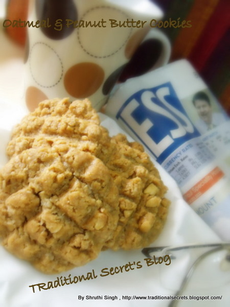Crumbly & Soft Oatmeal & Peanut Butter Cookies..;)
