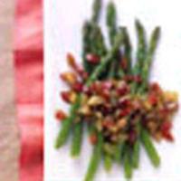 Asparagus with fresh grape relish