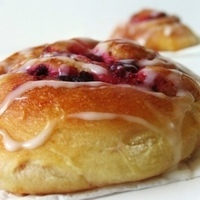 Image of Raspberry Lemon Cinnamon Rolls Recipe, Cook Eat Share