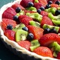 Fresh fruit pie with crumble topping