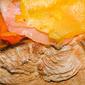 Bruschetta con peperoni arrosto, salmone affumicato e peperoncino rocoto