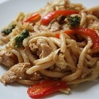 Quick and Easy Udon Noodle and Chicken Stirfry
