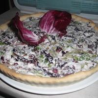 crostata farcita con ricotta e insalate