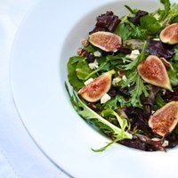 Field Greens with Fig, Bleu Cheese, and Candied Pecans