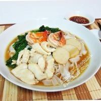 Seafood Hor Fun (Flat Rice Noodle) 海鲜河粉