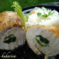 Turkey rolls with spinach and cheese