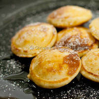 Dutch Pancakes (Poffertjes)