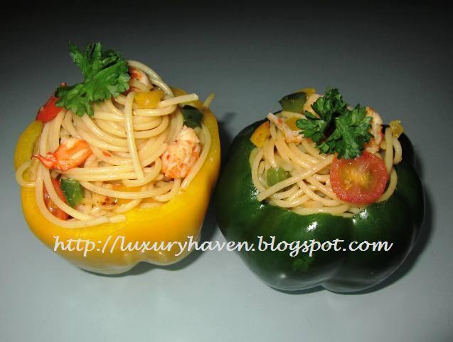 Wafu Spaghetti in Colourful Capsicum Cups