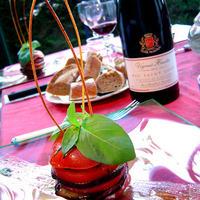 Millefeuille de tomate, aubergine grillée et mozzarella de Bufflonne, parfumé au basilic