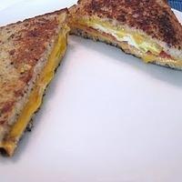 Gluten Free Recipe: Grilled Egg Scrambler Sandwiches