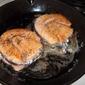 Salmon burgers a la Hubert Keller