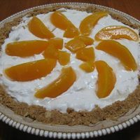 No-Bake Peaches and Cream Pie