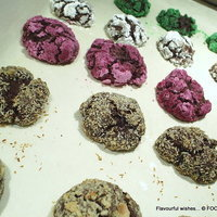 chocolate CRINKLE cookie CRACKLE color CHUCKLE
