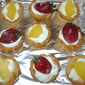 Tartlets with cream and fruit