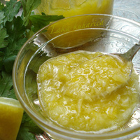 Parsley, honey and olive oil remedy
